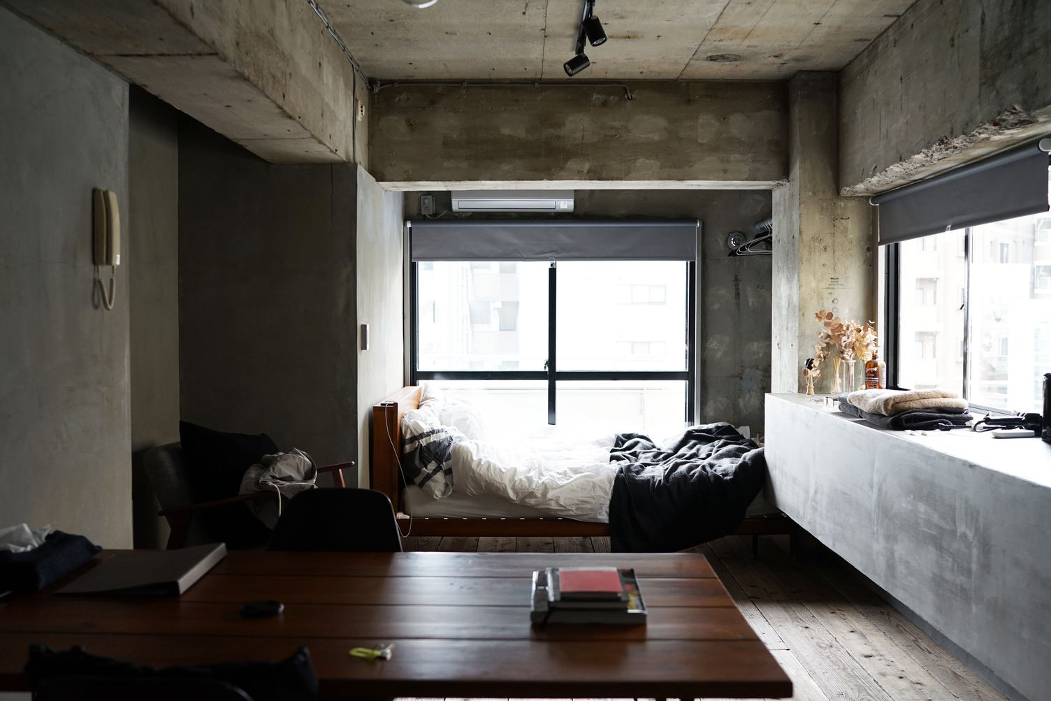 Ascetic Contemporary Apartment