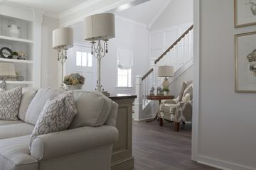 White Classic Living Room Design