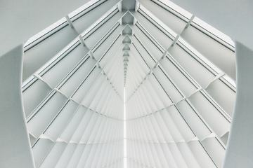 Modern Architecture Symmetric White Ceiling