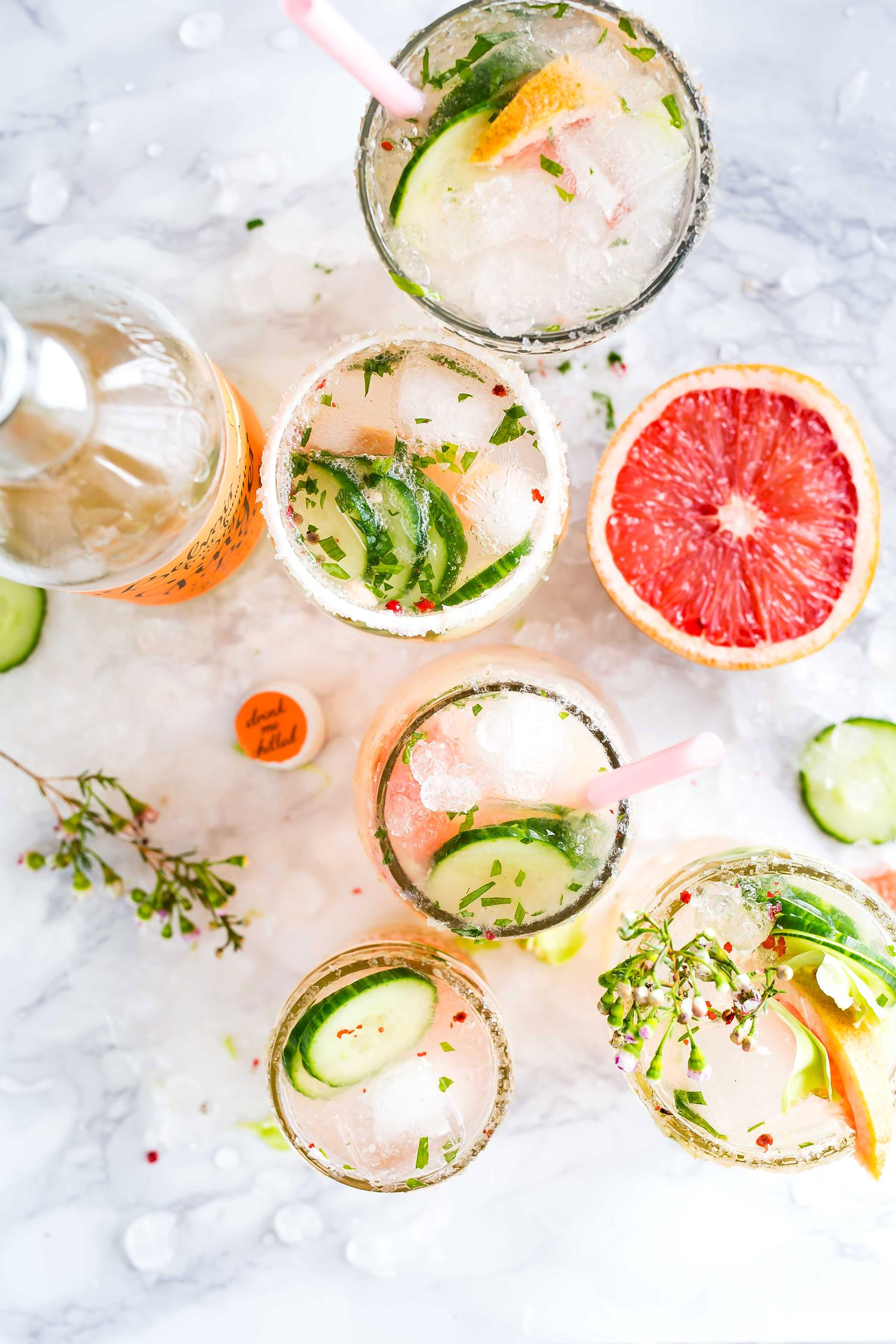 Refreshing Summer Cocktails with Citrus Fruits and Vegetables