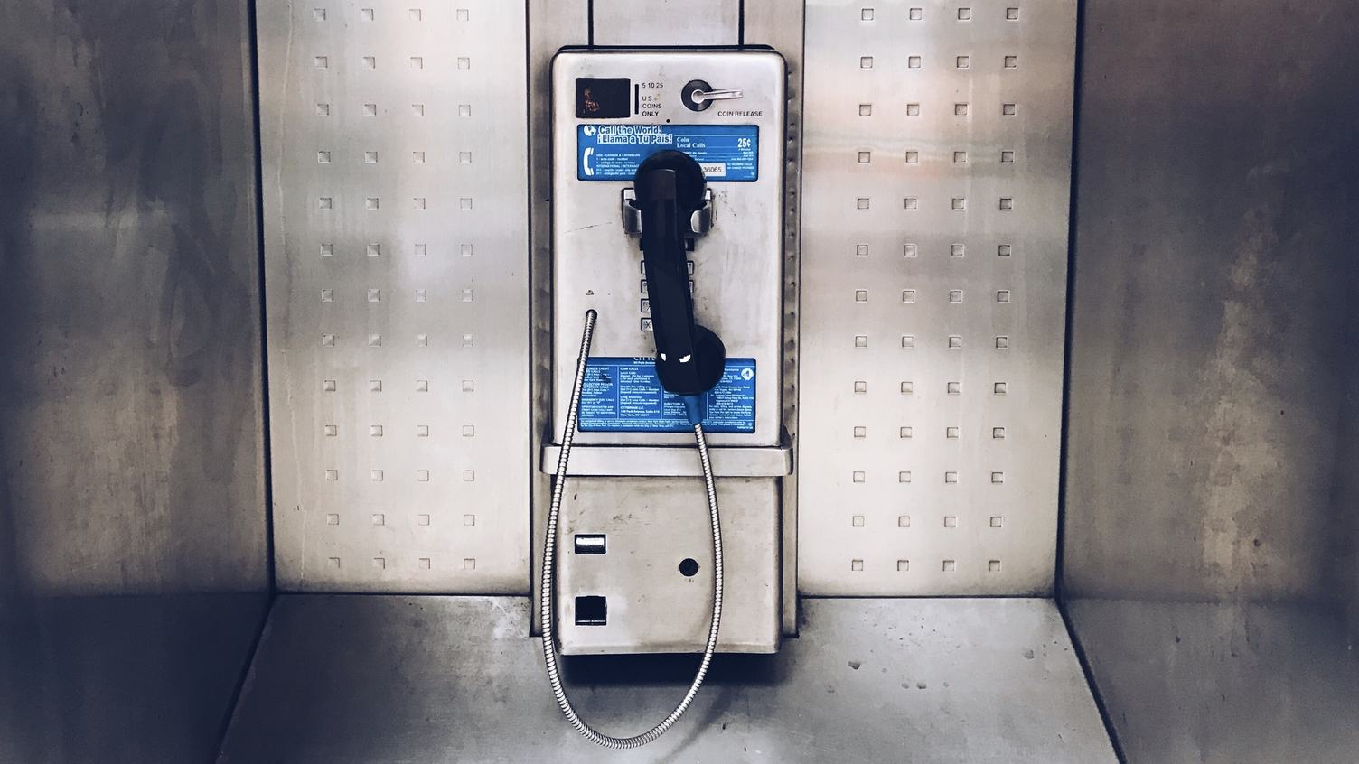 Metal Urban Public Phone Booth with Black Handset