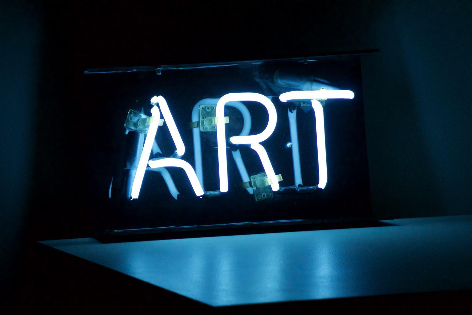 Art Inscription on the Neon