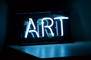 Art Inscription on the Neon