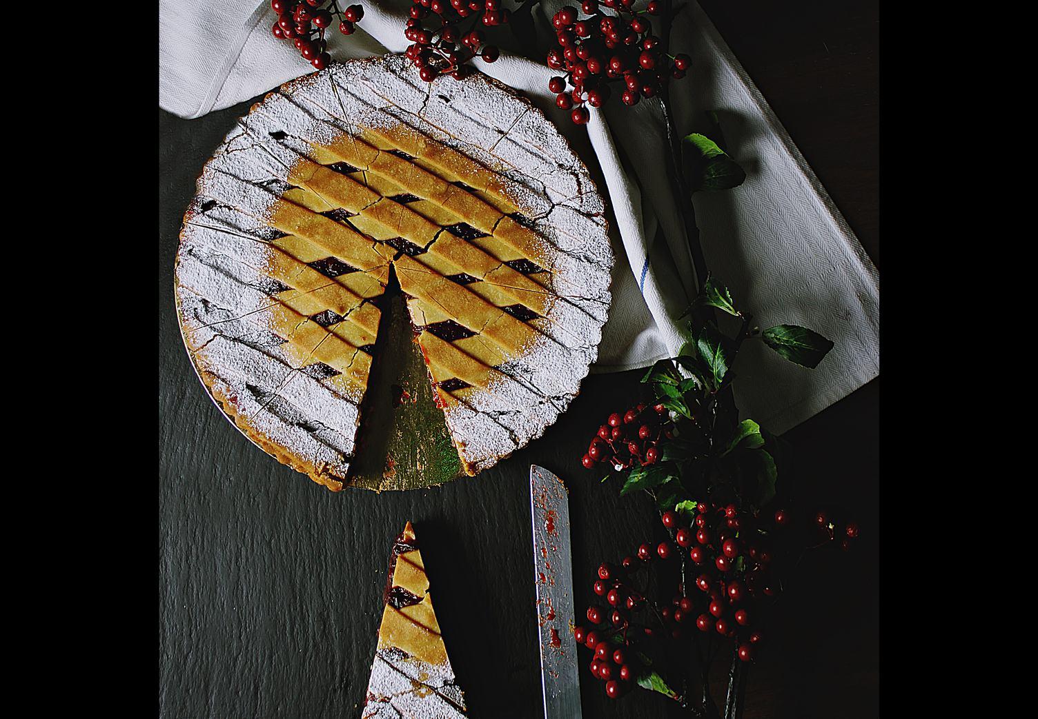 Lattice Cherry Pie Table Decoration