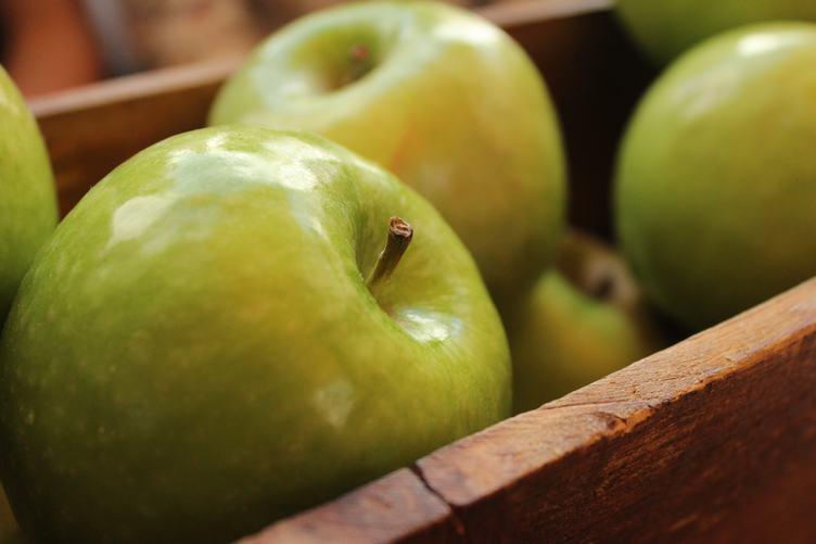 Box of Green Appels