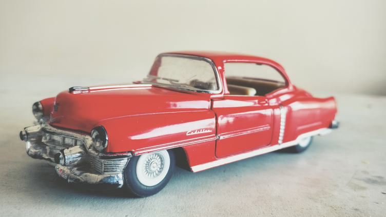 Metal Model Red Cadillac