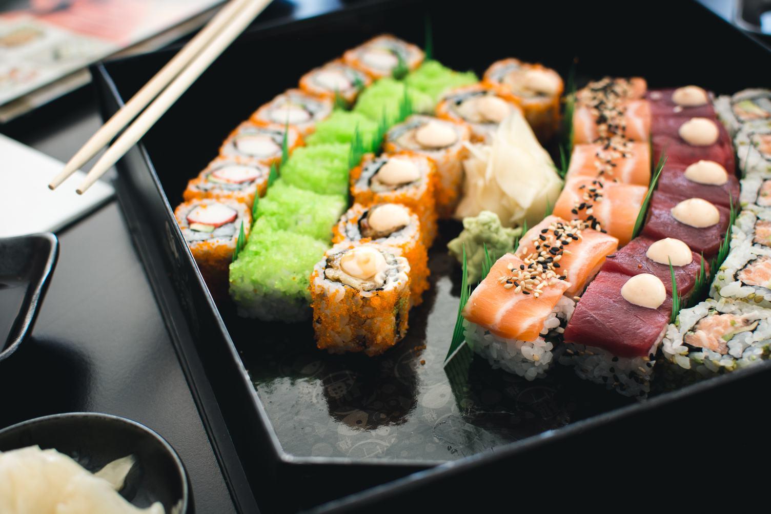 Sushi Set in a Black Box