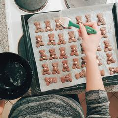 Xmas Gingerbread Bears Ready to Bake