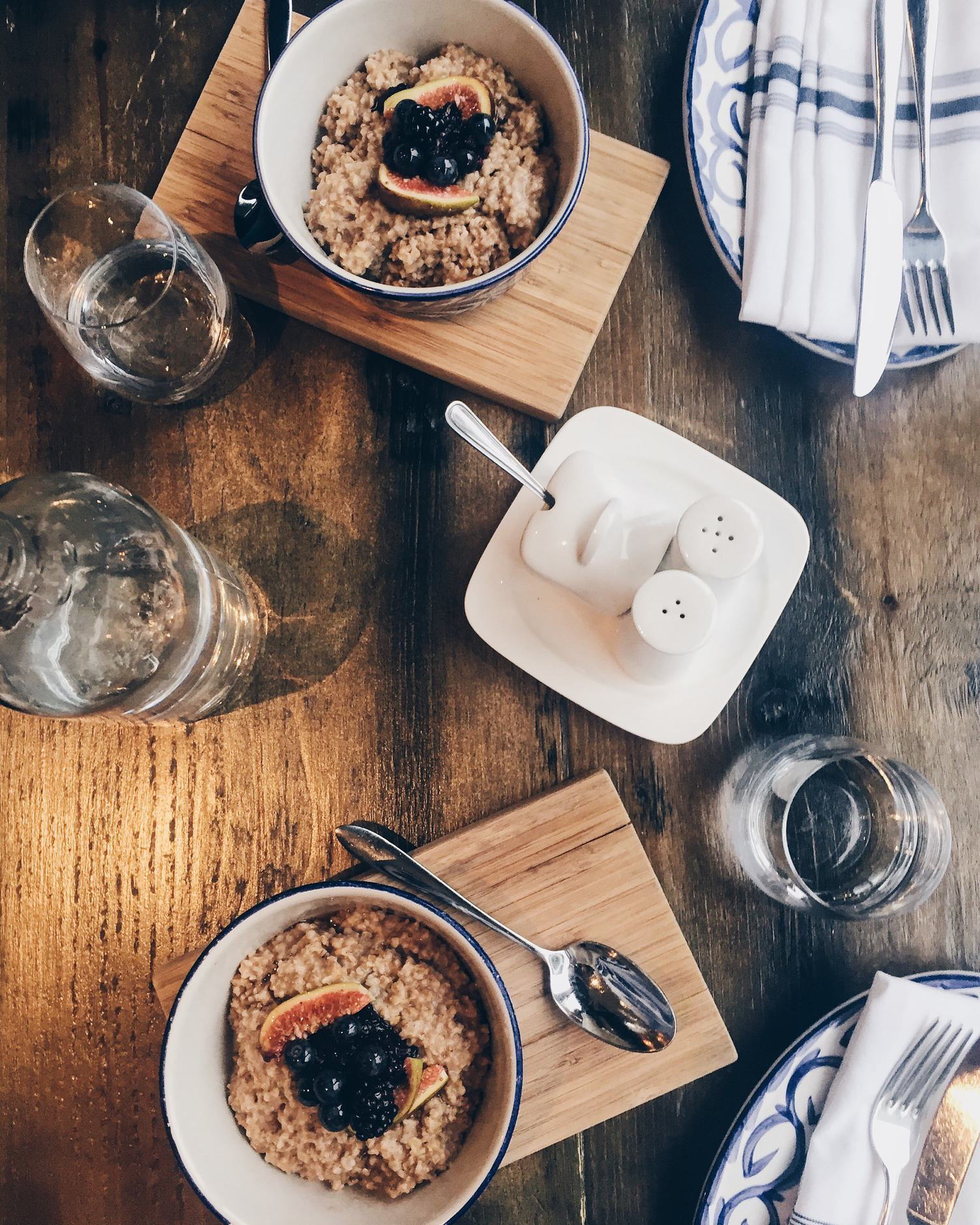 Helthy Breakfast Oatmeal for Two