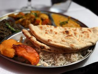 Oriental Lunch with Naan Bread