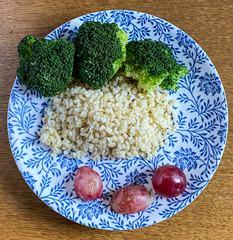 Bulgur, Broccoli and Grapes