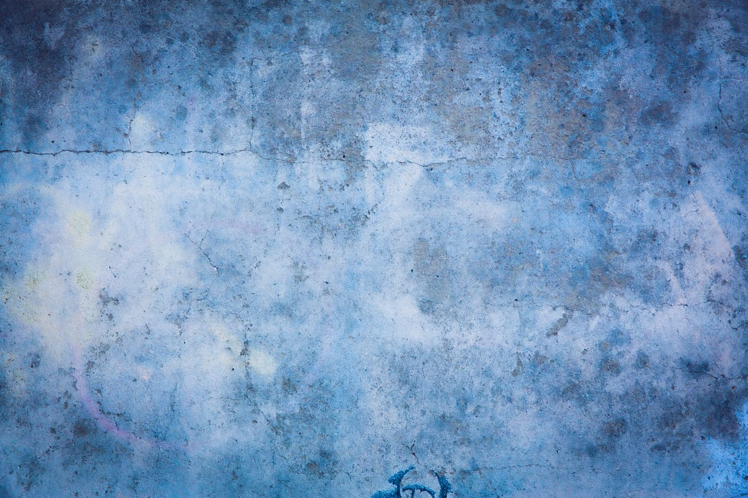 Blue Grunge Cracked Wall Texture
